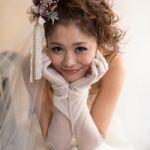 結婚式におすすめのとってもかわいいミディアムヘアスタイルのサムネイル画像