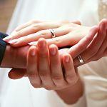 友達には聞きにくい!!婚約指輪・結婚指輪の相場はおいくら?のサムネイル画像
