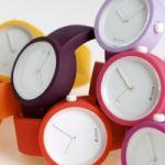 オフタイムの腕時計はカジュアルに。カラフルなシリコン腕時計のサムネイル画像