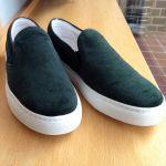 レディースに人気の靴「スリッポン」のおしゃれコーデをご紹介♡のサムネイル画像