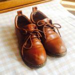 一生に一度は履いてみたい!茶色の革靴は、可愛らしくておしゃれのサムネイル画像