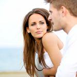 浮気の兆候?この遠距離恋愛、別れるべき?悩んでいる貴女へのサムネイル画像
