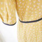 大人の女性の≪黄色≫を上手く取り入れたワンピースの着こなし術のサムネイル画像