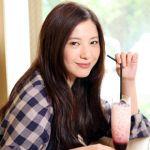 愛されるクール顔!吉高由里子の簡単メイク方法&愛用コスメを紹介!のサムネイル画像