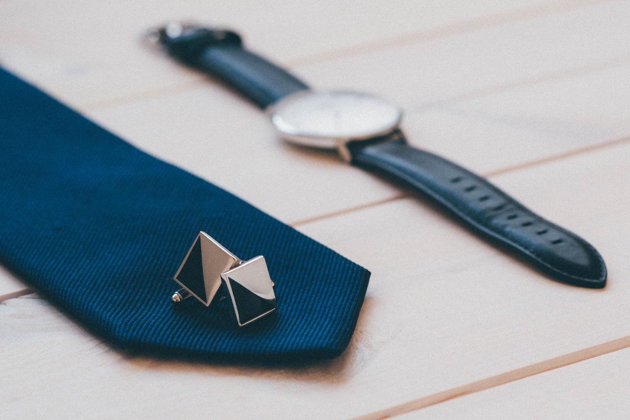 tie-watch