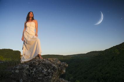 恋愛がうまくいかないのは「月の満ち欠け」のせい!?月が与える 人への影響とは!?