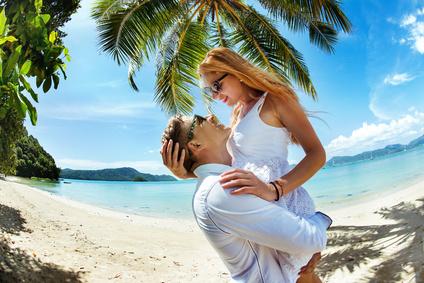 夏の恋愛が盛り上がる旅行先のヒント!2016年のおすすめ「吉方位」とは?