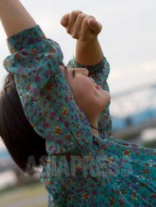 日本入りした脱北者として初めて大学を卒業したリ・ハナさん。今年1月刊行の手記「日本に生きる北朝鮮人 リ・ハナの一歩一歩」は多くのメデイアに取り上げられた。
