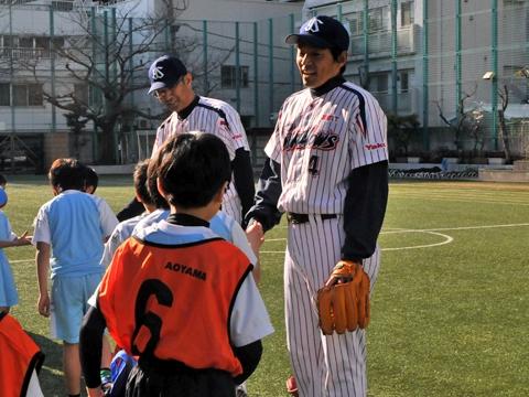熊田氏と度会氏が青山小学校を訪問!