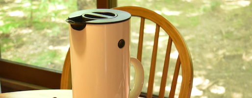 【スタッフ愛用】飲みたい時に、いつでも冷たいお茶を。朝作って、夜まで楽しむSTELTONロングセラージャグ。