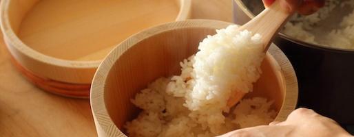 白いご飯を美味しく食べたい!ずっと気になっていた「おひつ」を使ってみました。