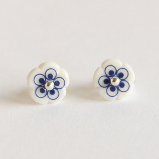 ピアス flower stud mini ブルー