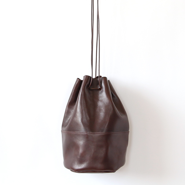 HORSE LEATHER DRAW STRINGS POUCH/M(巾着ショルダー)(CHOCO)
