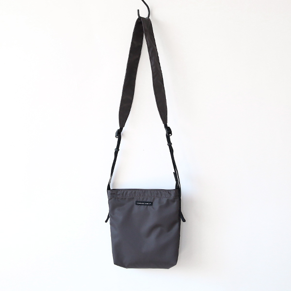 PACKABLE SHOULDER/S DARK GREY