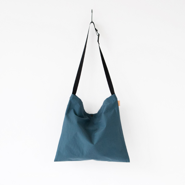 【別注】SIMPLICITY FLAT SHOULDER BLUE-GREY