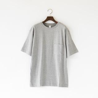 ルーズフィットポケットTシャツ