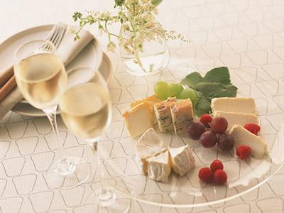 シャンパーニュ・スパークリングワインと旬のチーズ&フルーツのマリアージュ