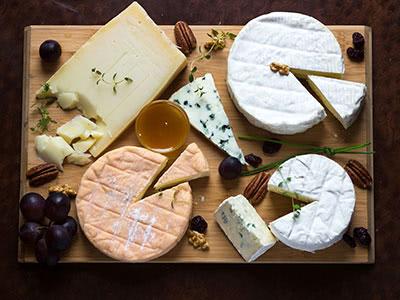 チーズとワインの「王道マリアージュ」