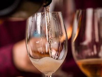シャンパーニュだけが泡じゃない~スパークリングワインのニューウェイブを探る