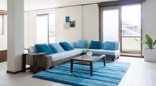 [ブルーのソファ特集]リラックスと開放感に満ちたリビングづくり