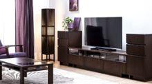 「ダークブラウンのテレビボード特集」- 高級感と温もりを感じるリビングルームに -