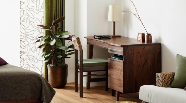 快適なテレワークを叶えるコンパクトなデスク・テーブル