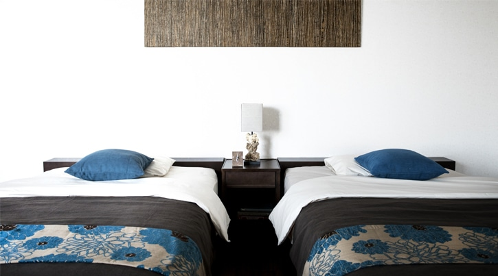 ツインベッドの魅力~ダブルベッドとの違いやホテル風ベッドルームのつくり方~