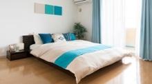 低いベッド・ローベッドで開放感と寛ぎ感のある魅力的な寝室づくり