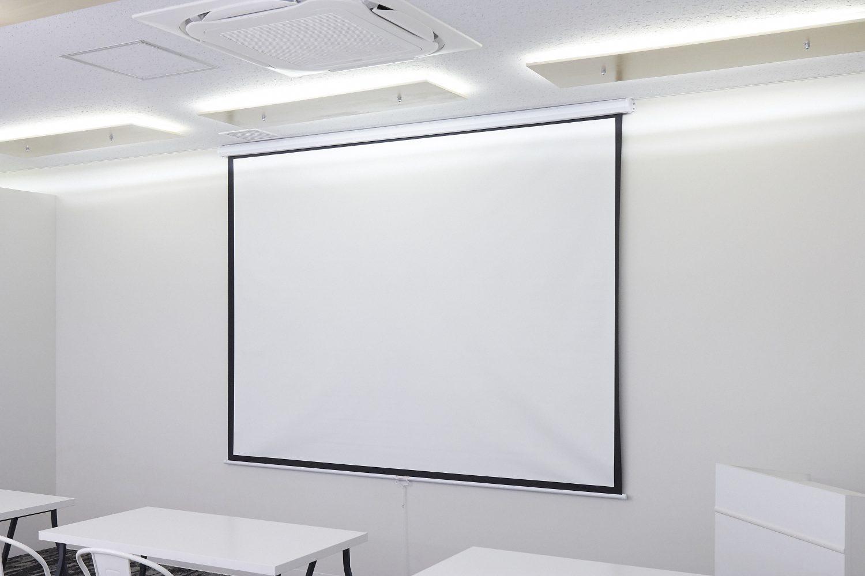 みんなの会議室 品川A | スクリーン|TIME SHARING|タイムシェアリング |スペースマネジメント|あどばる|adval