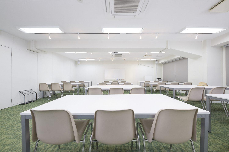 みんなの会議室 渋谷宮益坂3A | スクール形式|TIME SHARING|タイムシェアリング |スペースマネジメント|あどばる|adval