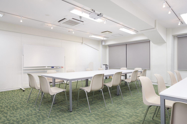 みんなの会議室 渋谷宮益坂3A | グループワーク形式|TIME SHARING|タイムシェアリング |スペースマネジメント|あどばる|adval