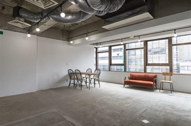 Creator's District神保町 | ソファーなど撮影に使える家具もご利用頂けます