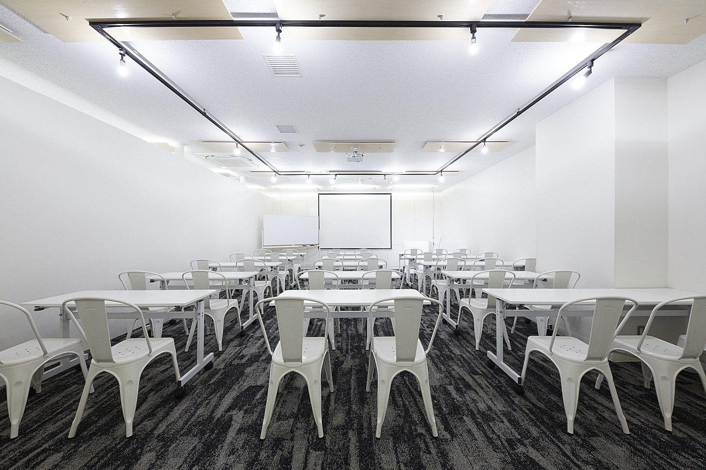 みんなの会議室 品川A | スクール形式|TIME SHARING|タイムシェアリング |スペースマネジメント|あどばる|adval