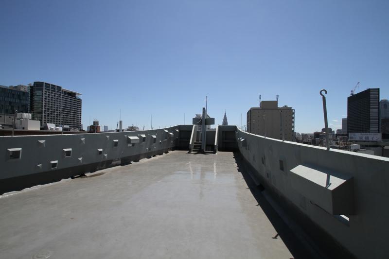 GUNKAN屋上 | 広々とした屋上スペースです(右側から撮影)|TIME SHARING|タイムシェアリング |スペースマネジメント|あどばる|adval