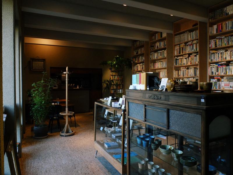 BUNDAN(駒場東大前) | 約2万冊ある書籍|akibaco|あきばこ|スペースマネジメント|あどばる|adval