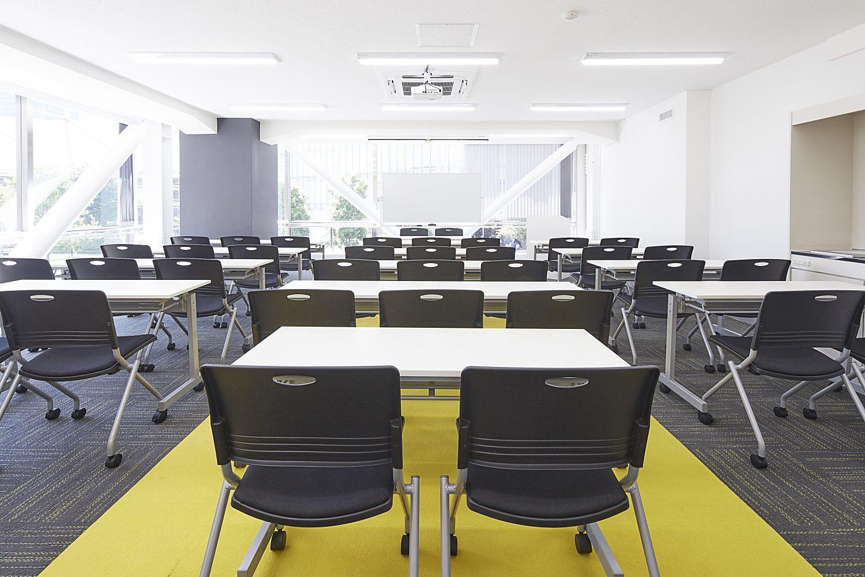 みんなの会議室 東京駅前3F | スクール形式|TIME SHARING|タイムシェアリング |スペースマネジメント|あどばる|adval