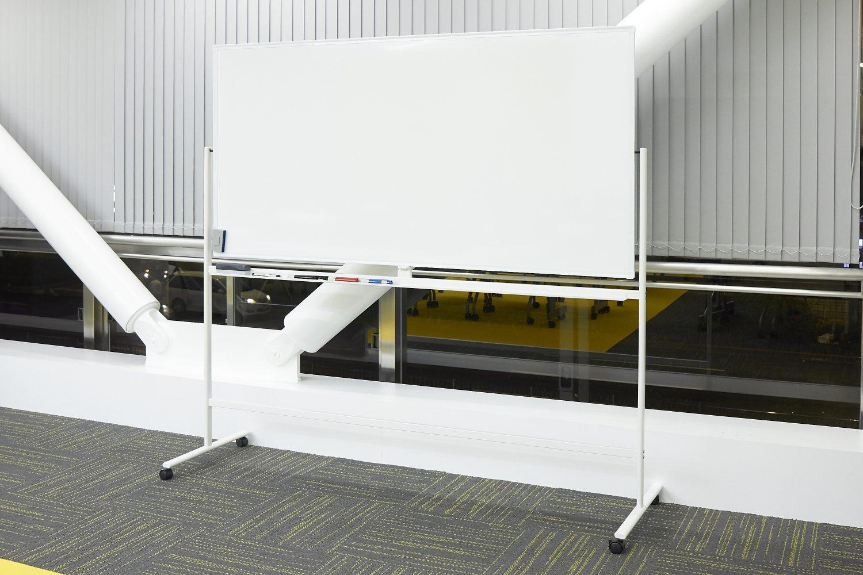 みんなの会議室 東京駅前3F | ホワイトボード|TIME SHARING|タイムシェアリング |スペースマネジメント|あどばる|adval