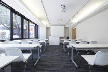 みんなの会議室 渋谷宮益坂2A | スクール形式|akibaco|あきばこ|スペースマネジメント|あどばる|adval