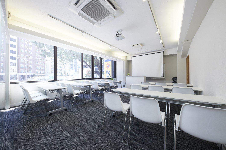 みんなの会議室 渋谷宮益坂2A | スクール形式|TIME SHARING|タイムシェアリング |スペースマネジメント|あどばる|adval