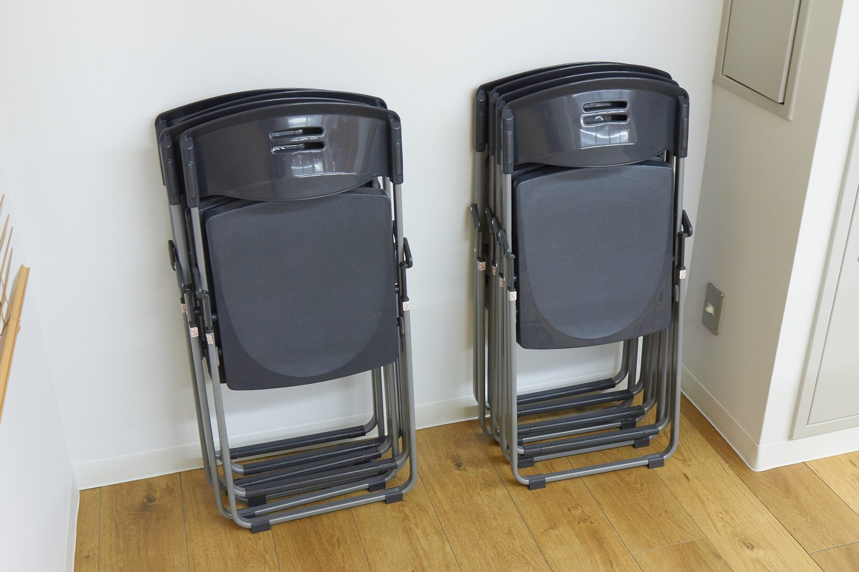 みんなの会議室 代々木7F | 折り畳み椅子