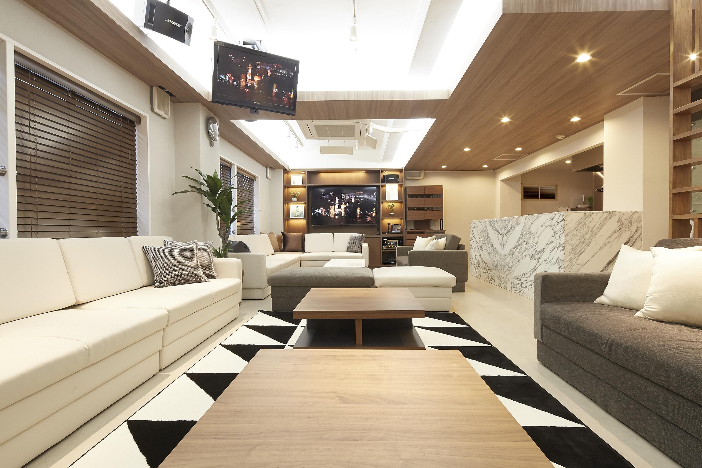 Lounge-R Premium |