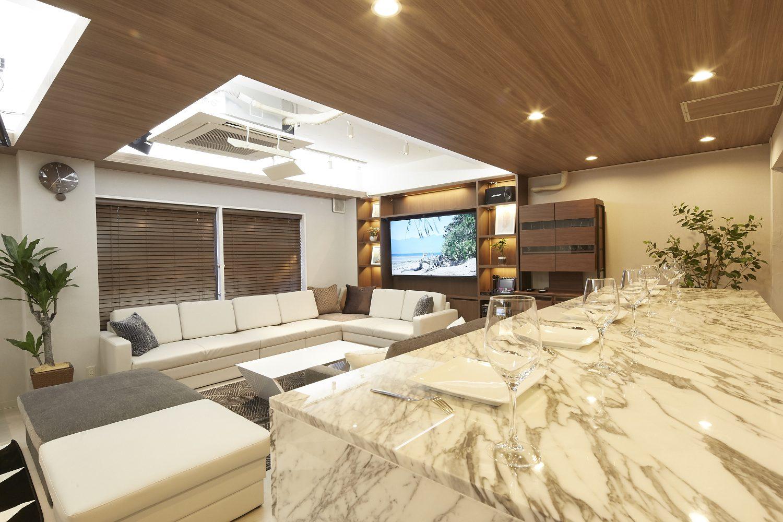 Lounge-R Premium | 立食にも|TIME SHARING|タイムシェアリング |スペースマネジメント|あどばる|adval