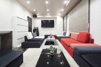 Lounge-R 渋谷 | 入口から奥