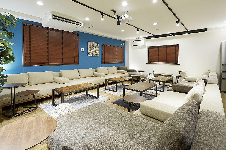 Lounge-R TERRACE 渋谷 | スクリーン畳んだ状態|TIME SHARING|タイムシェアリング |スペースマネジメント|あどばる|adval