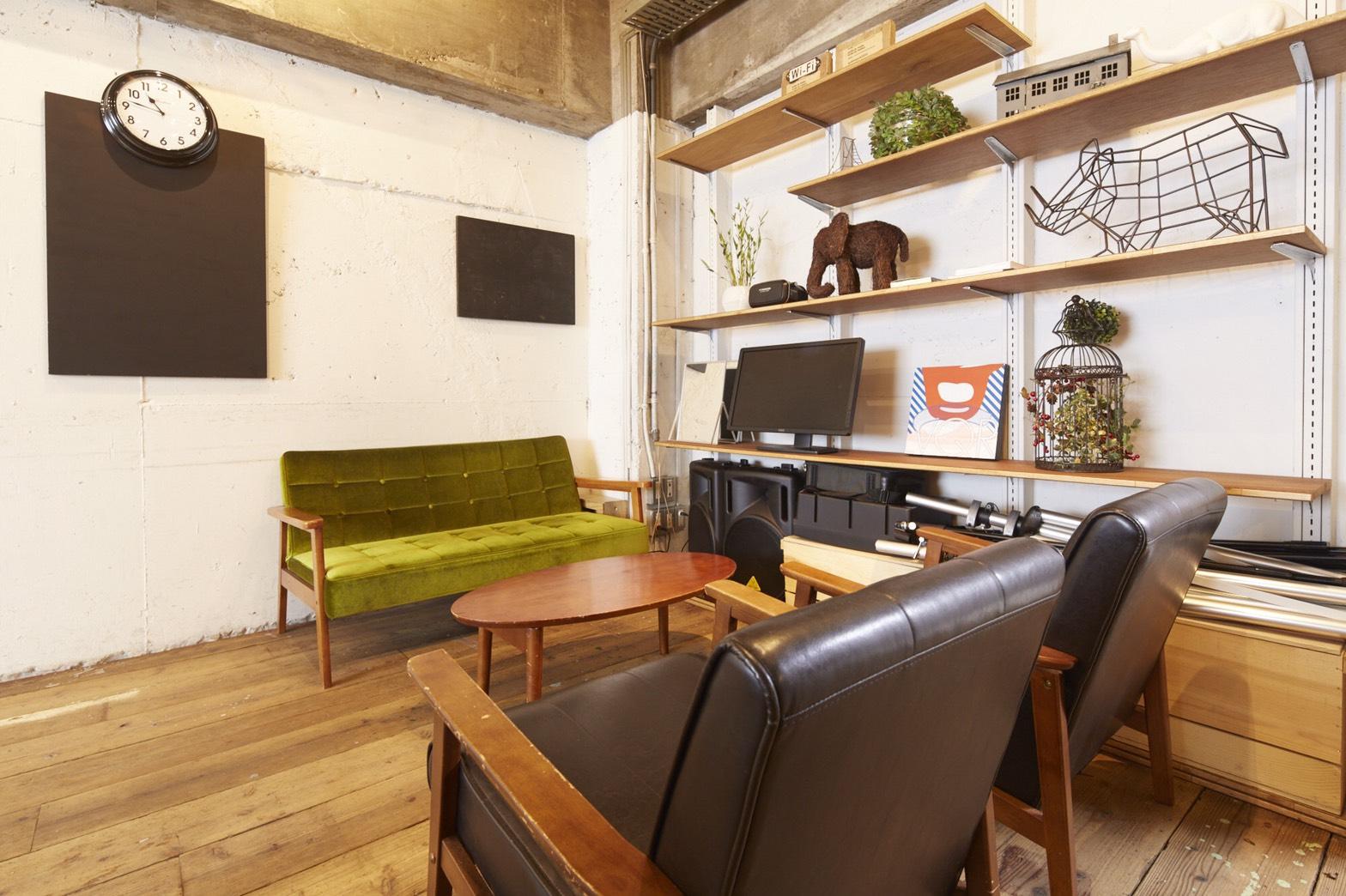 テイクアウトで彩りを。リラックスした雰囲気の貸し会議室4選|TIME SHARING|タイムシェアリング |スペースマネジメント|あどばる|adval|SHARING