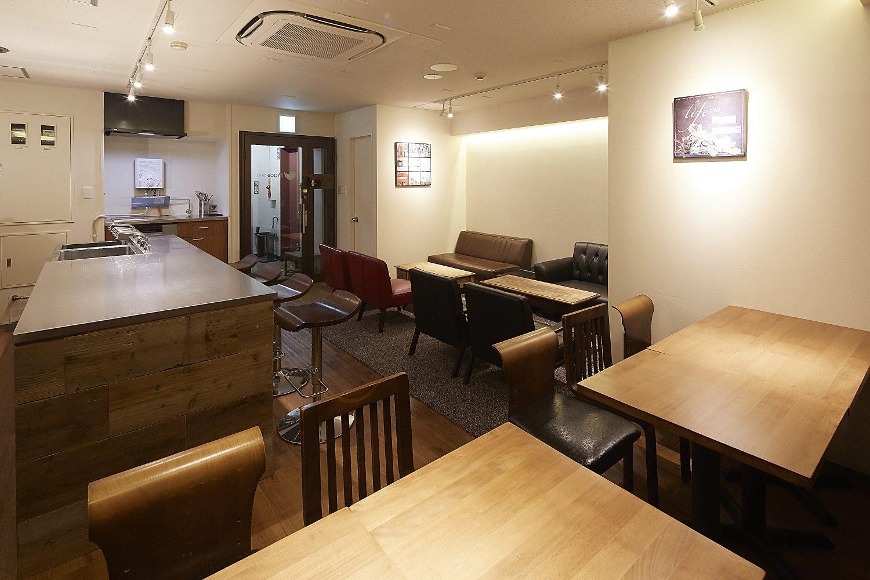 Mace 西新宿 | スペース奥から入口