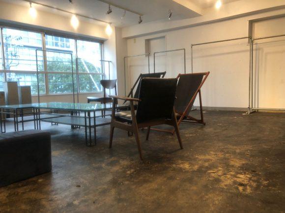 LIMレンタルスペース | アパレル展示会に最適なシンプルな内装|akibaco|あきばこ|スペースマネジメント|あどばる|adval