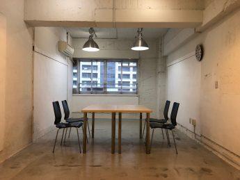 Creator's District1006   デフォルトレイアウト。チェアやテーブルの追加も可能です。