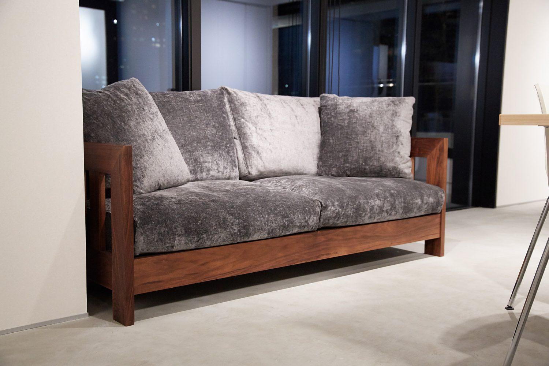 Akasaka Zen Space | 重厚感のあるソファー|TIME SHARING|タイムシェアリング |スペースマネジメント|あどばる|adval
