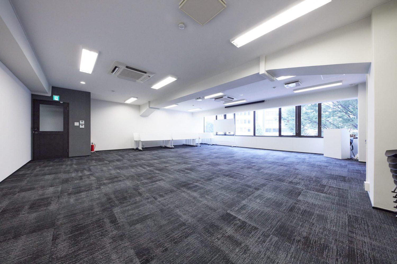 みんなの会議室 渋谷宮益坂3B | 机や椅子を端に寄せ、ヨガなどにも|TIME SHARING|タイムシェアリング |スペースマネジメント|あどばる|adval